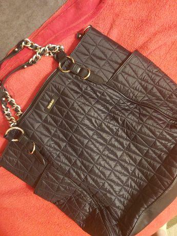 DKNY torebka pikowana