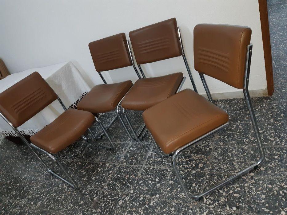 4 Cadeiras em Pele Genuína - Novas