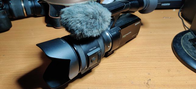Kamera Sony NEX VG 30  +2 akumulatory i karta pamięci.
