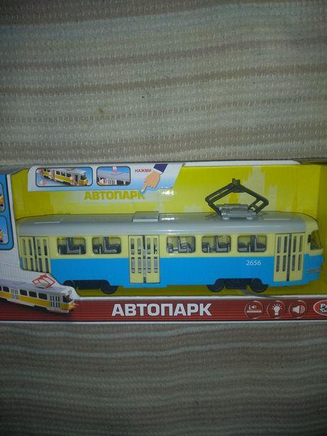 трамвай, автобус со звуками, светом