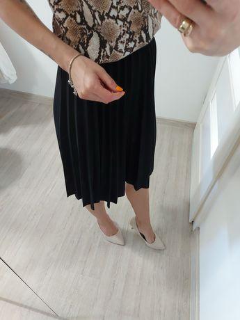 Nowa plisowana spodnica