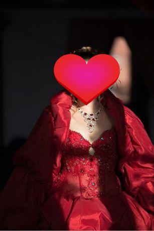 Продам свадебное, вечернее платье в Королевском стиле!