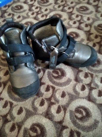 Ботинки зима на девочку.
