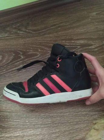 Кросівки підліткові Adidas оригінальні