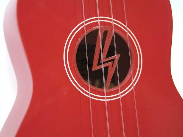Czerwone ukulele sopranowe