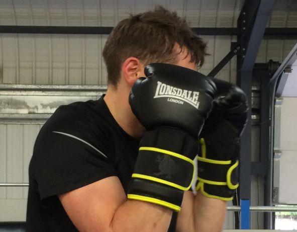 Перчатки Lonsdale Xlite Training Glove 10 OZ .Box. UFC. MMA