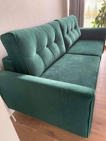 Butelkowa kanapa w stylu skandynawskim z funkcją spania