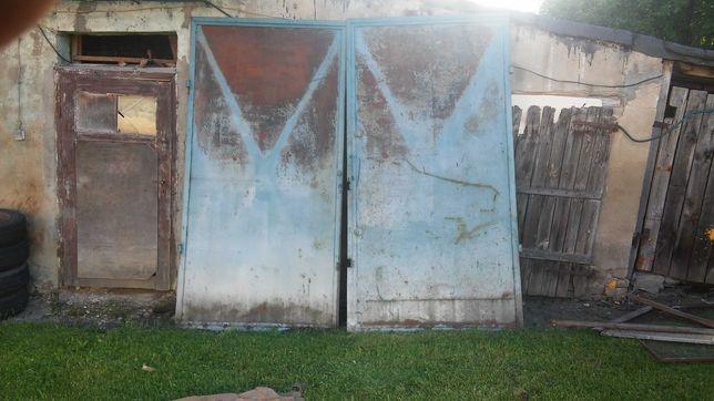 Sprzedam tanio masywne drzwi garażowe