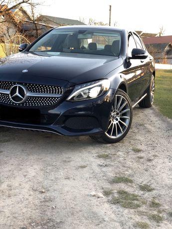 Mercedes bens c300 На повному фарші!