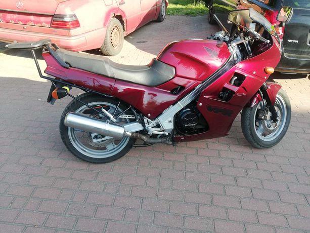 Motocykle Honda vfr 750