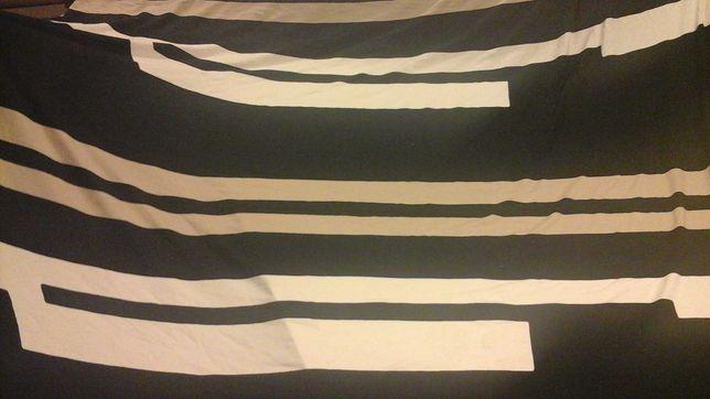 Tkanina trykot czarna  z pasami 145 cm,
