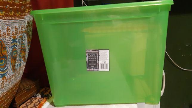 plastikowe pudla na kolkach do przechowywania XL 2szt