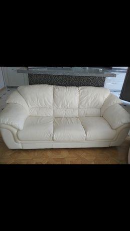 Кожаный итальянский диван и кресла