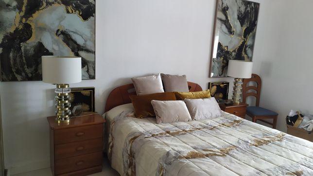 Mobilia de quarto de casal madeira maciça alta qualidade