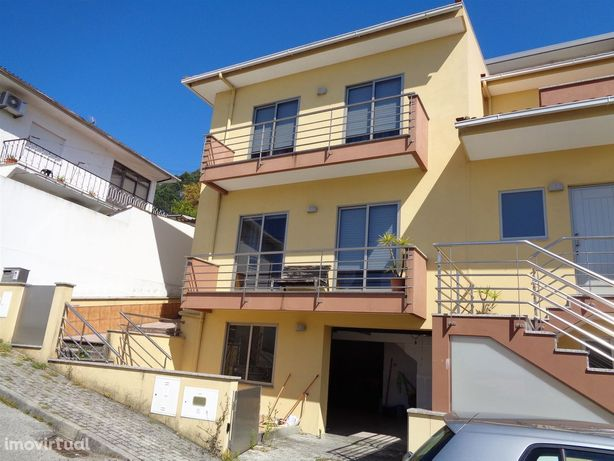Moradia T3 Venda em Oliveira de Azeméis, Santiago de Riba-Ul, Ul, Maci