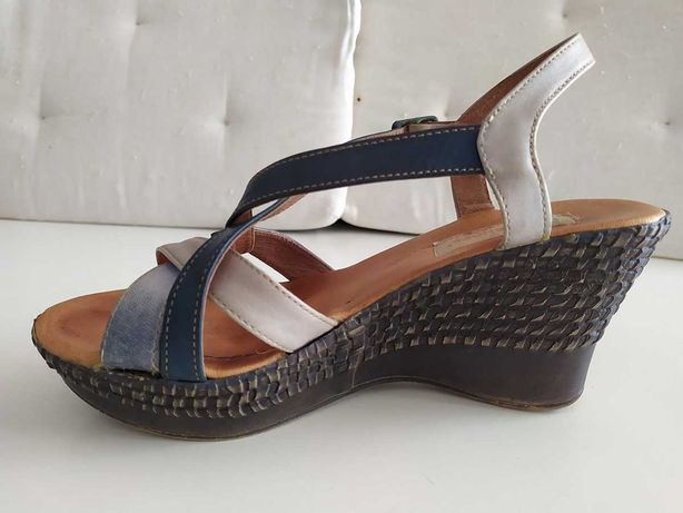 Sandálias em pele - Nº37
