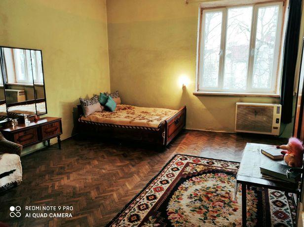 Власник,1- кімнатна квартира,ціна 4500грн,в ціну входить комунальні
