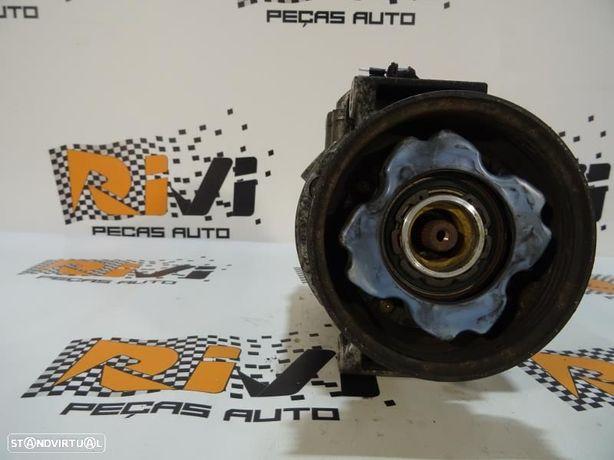 Compressor Do Ar Condicionado Audi A4 (8E2, B6) 447220 9600 / 7Seu16c