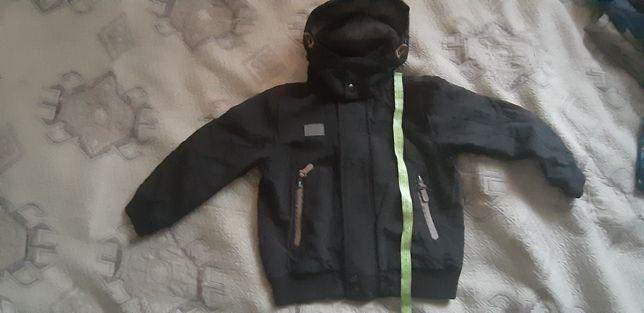 Демисезонная курточка 110р