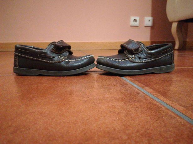 Sapatos a vela em pele número 23