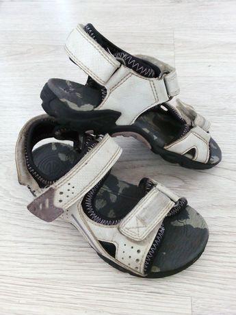 Sandały Ecco rozmiar 27 białe z brokatowymi paseczkami.