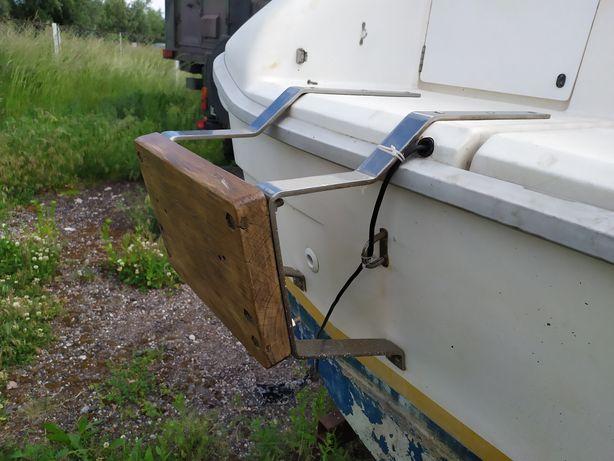 Pantograf do silnika zaburtowego centralny, stały na jacht, motorówkę