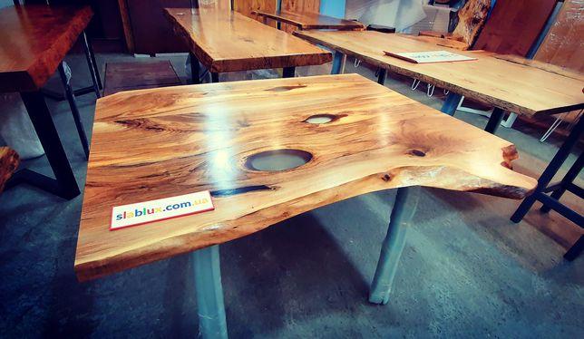 Стол из массива Ореха и эпоксидной смолы. Мебель в стиле LOFT
