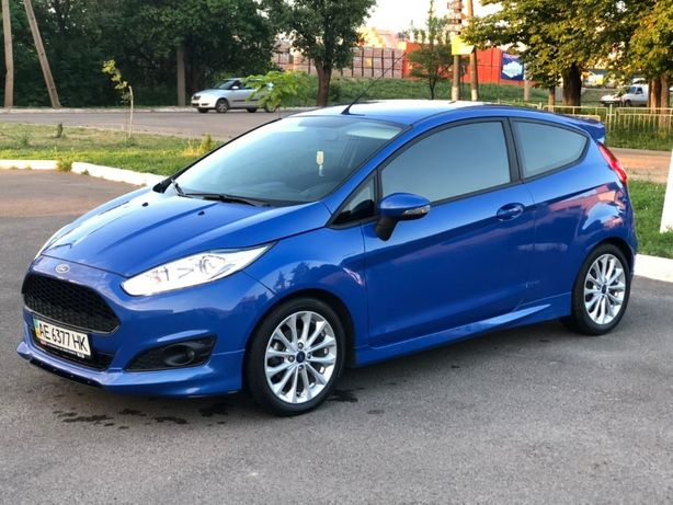 Продам Ford Fiesta 2013