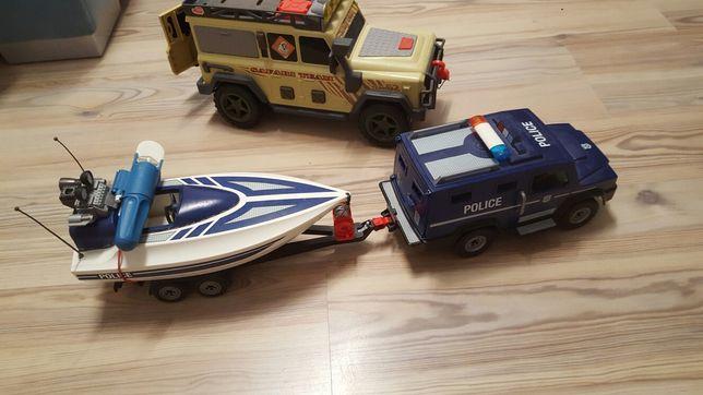 Zestaw pojazdów policja z motorówką
