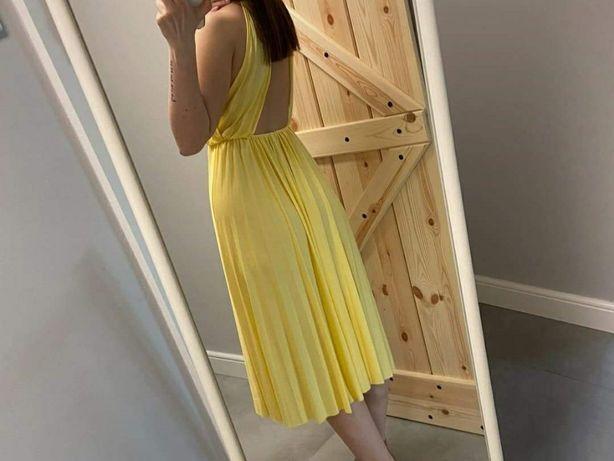 Sukienka wieczorowa ASOS odkryte plecy