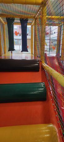 Sala zabaw, konstrukcja zabawowa, małpi gaj