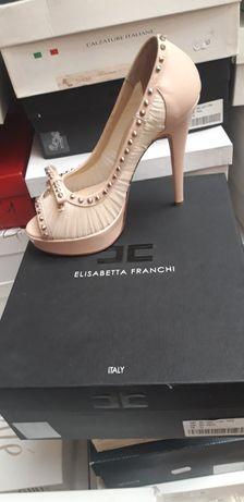 Buty sprowadzone z Włoch