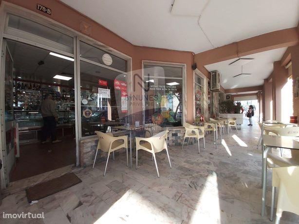 Inicie o seu negócio de cafe/snack bar - Trespasse em Cas...