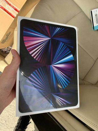 iPad Pro 3 11 2021 Wi-Fi + LTE 256GB M1 Silver (MHMW3)