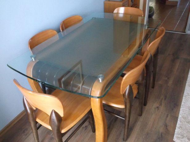 stół drewniany z krzesłami śliczny stylowy