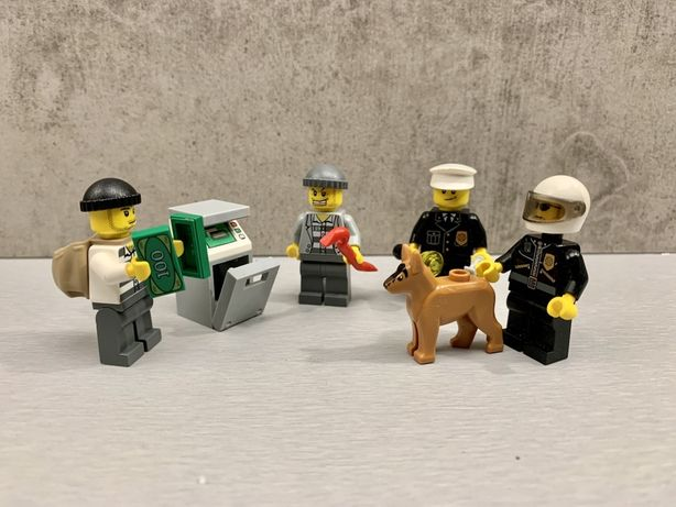 LEGO 7279 City Police Minifigure Collection