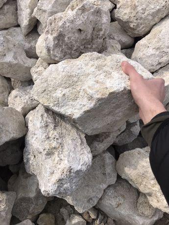 Камінь бутовий. Щебінь. Пісок. Камаз