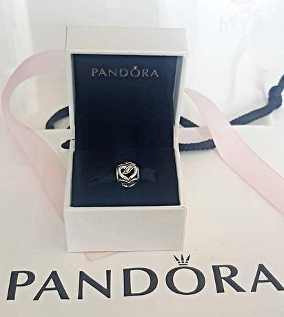 """Pandora charms """"Miłosne perypetie""""."""