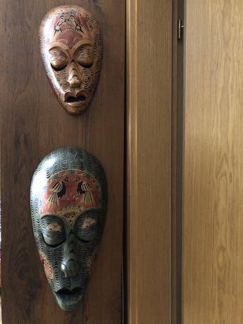 Maski maska afrykańska  wzory ozdobna z Bułgarii