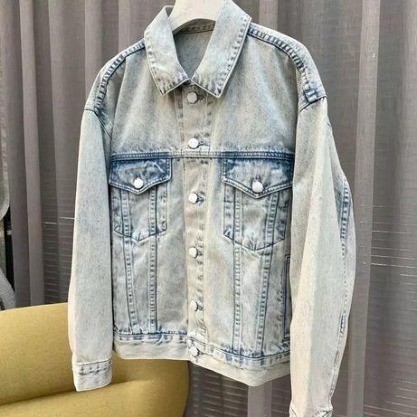Акция Джинсовая куртка джинсовка оверсайз светлая Cropp с карманами