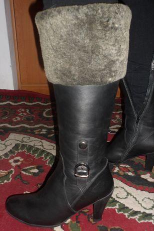 Женские зимние сапоги,39 размер,1500 рублей,натуральная кожа+ мех