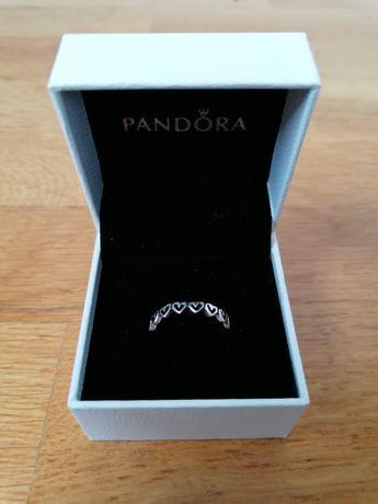 NOVO Anel Pandora Freehand Hearts