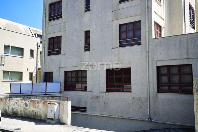 Garagem Fechada, Vila do Conde