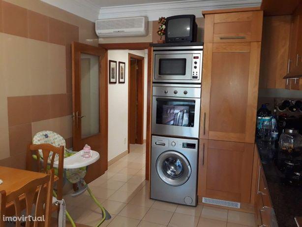 Apartamento T3 | Garagem | Piscina