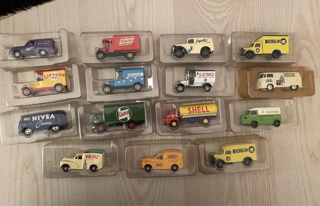 Coleção de 15 Carrinhas de Distribuição Miniatura da Corgi