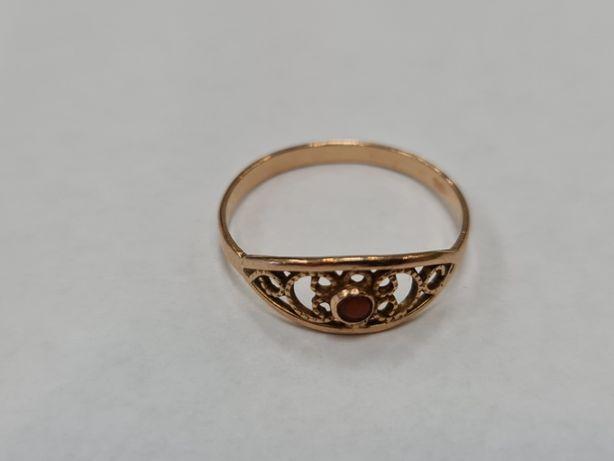 Wiekowy złoty pierścionek damski/ 585/ 1.98 gram/ R24/ PRL