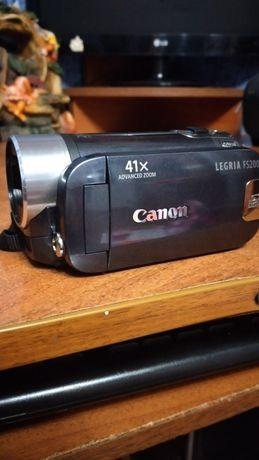 Продам видеокамеру CANON  FS 200