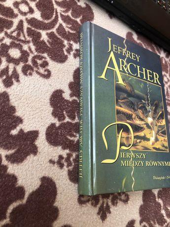Jeffrey Archer - Pierwszy między równymi