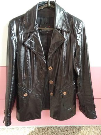 Шкіряна курточка жіноча