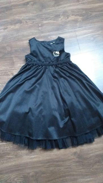 H&M czarna balowa suknia 128